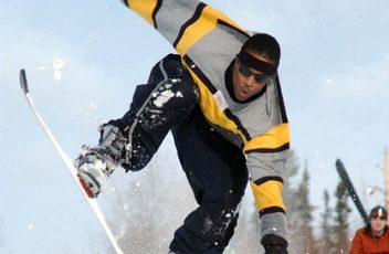 snowboarding-655547_640